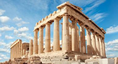 Il Partenone, fatto ricostruire dopo che i Persiani lo avevano distrutto nel 480 A.C., è il monumento greco per antonomasia, in grado di rappresentare e simboleggiare uno dei periodi più importanti della Storia dell'Uomo.